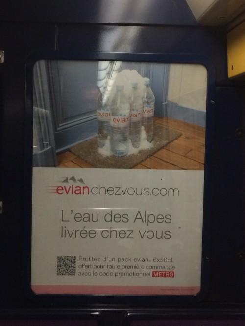 Per confermare che l'ecommerce è sempre più servizio e logistica, ecco il negozio monoprodotto di acqua minerale recapitata a casa di Evian.