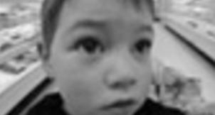 Questa immagine era sul primo [mini]marketing, nel 2004, e quindi rimane anche se non ha un senso. Il bambino non sono io.