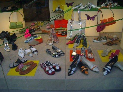 Dodici consigli di marketing per il negozio di scarpe per bambini